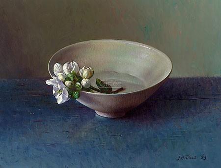 Jef Diels, First Blossom (Malerei, Stillleben, Porzellanschale, Wasserschälchen,Blütenzweig, blauer Holztisch, Wohnzimmer, Esszimmer,  bunt)