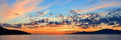 rabbit75_fot, Colorful sunset (vancouver, natur, kanada, draußen, reisen, british columbia, küste, küste, berg, sonnenuntergänge, sunrise, panorama, panoramisch, wolken, wolkengebilde, farbe, bunt, meer, seelandschaf)