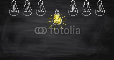 Daniel Berkmann, Idee sticht heraus (glühbirne, lampe, leuchten, ideen, zeichen, gelb, ergebnis, kreativität, glühbirne, besprechung, lernen, lockern, teller, intelligenz, forschung, verarbeiten, wissen, fortschritt, business, rechtsbehelf, innovativ, forschung, problemlösung, innovatio)