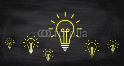 Daniel Berkmann, Leuchtende Glühbirnen (glühbirne, konzept, ideen, innovation, leuchten, problemlösung, dienstleistung, intelligenz, besprechung, bewegung, hilfe, konzept, gelb, think, ideen, unterstützung, wissen, verarbeiten, individualität, innovativ, kreativität, zeichen, rechtsbehel)