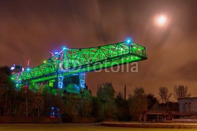 Tobias, Landschaftspark Duisburg (duisburg, gebäude, licht, brücke, architektur, stahl, industrie, nacht, blau, beleuchtet, technologie, ruhrgebiet, industriegebiet, kultur, nachtaufnahme, denkmal, alligator, mond, gewerbegebiet, ausflug, erholung, stahlwer)