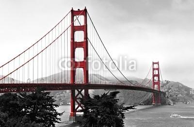 diak, Golden Gate Bridge, red pop on a black and white background (gold, tor, brücke, schwarz, weiß, monochrom, pop, rot, kunst, saint, francisco, bellen, ard, berühmt, platz, attraktion, tourismus, reisen, hängebrücke, tiefbau, california, friedlich, ozean, bucht von san francisco, küstenlinie, küste, un)
