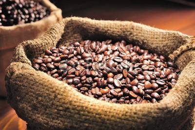 amenic181, burlap sack of roasted beans (arabic, aroma, hintergrund, tasche, bohne, getränke, schwarz, frühstücken, braun, anbrennen, kaffee, koffein, cappuccino, close-up, kaffee, kaffeeautomat, dunkel, trinken, expressotasse, frische, samenkorn, java, latte, mocha, rösten geröstet, rosten)