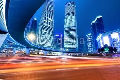 chungking, shanghai downtown at night (Wunschgröße, Fotokunst, Großstadt, Metropole, Asien, China, Shanghai, Architektur, Skyline, Hochhäuser, Langzeitbelichtung,  Lichtstreifen, Lichtspuren, Beleuchtung, Verkehr, Nachtaufnahme, Lichteffekte, Büro, Business, bunt)