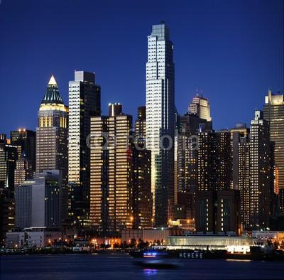 dell, New York skyline (Wunschgröße, Photografie, Fotografie, Metropole, Stadt, New York, Fluss, Nachtszene, Skyline, Beleuchtung, Spiegelungen, Büro, Business, bunt)