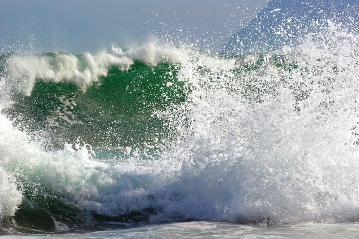 Hady Khandani, BREAKING WAVE 1 (HADYPHOTO, Welle, Gischt, Meeresschaum, Brechen, Wasserkraft, Urgewalt, Fotografie,  Meeresbrise, Wunschgröße, Wohnzimmer, Treppenhaus, bunt)