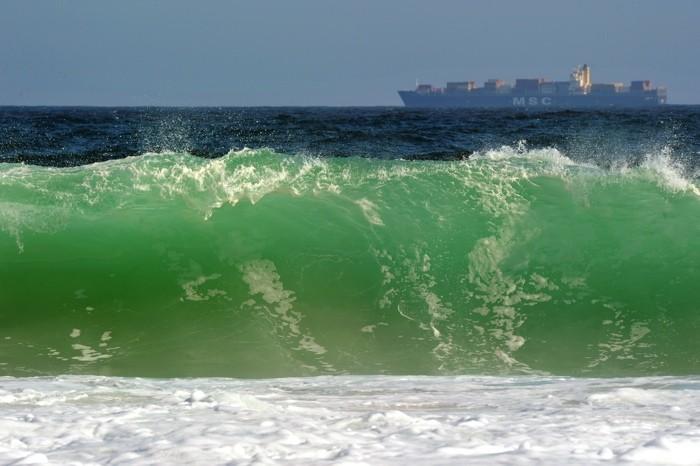 Hady Khandani, BREAKING WAVE 2 (HADYPHOTO, Welle, Gischt, Meeresschaum, Brechen, Wasserkraft, Urgewalt, Fotografie, Meeresbrise, Wunschgröße, Wohnzimmer, Treppenhaus, bunt)