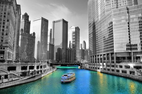 Hady Khandani, COLORSPOT - CHICAGO RIVER - USA (HADYPHOTO, Wunschgröße, Fotografie, Fotokunst, Landschaft, Colorspot, Amerika, Chicago, Architektur, Gebäude, Hochhäuser, Fluss, Schiff, Spiegelung, Reflexion,schwarz/weiß/blau)
