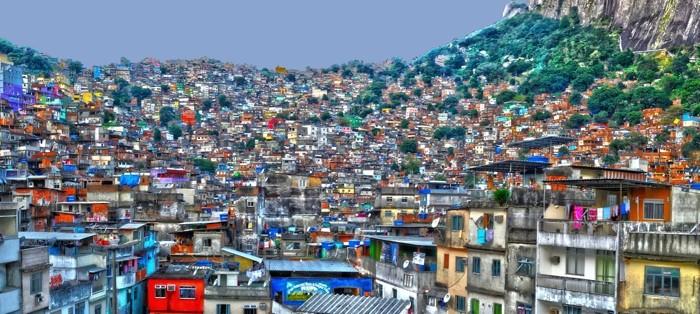 Hady Khandani, HDR PANO - FAVELA ROCINHA - RIO DE JANEIRO 2 (HADYPHOTO, Favela, Armenviertel, Architektur, Illegal, Rio de Janeiro, Brasilien,  Fotografie, Wunschgröße, Wohnzimmer, Treppenhaus, bunt)