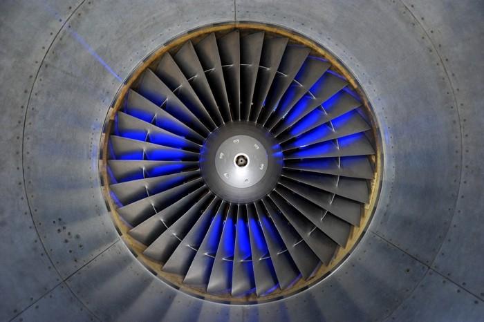 Hady Khandani, JET ENGINE - BLUE ILLUMINATED (HADYPHOTO, Fotografie)