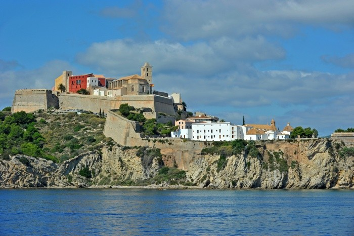 Hady Khandani, SEASIDE VIEW ONTO IBIZA OLD CITY - SPAIN (HADYPHOTO, Fotografie)