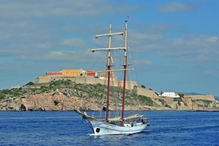 Hady Khandani, VIEW TO IBIZA OLD CITY - WITH SAIL SHIP (HADYPHOTO, Fotografie)