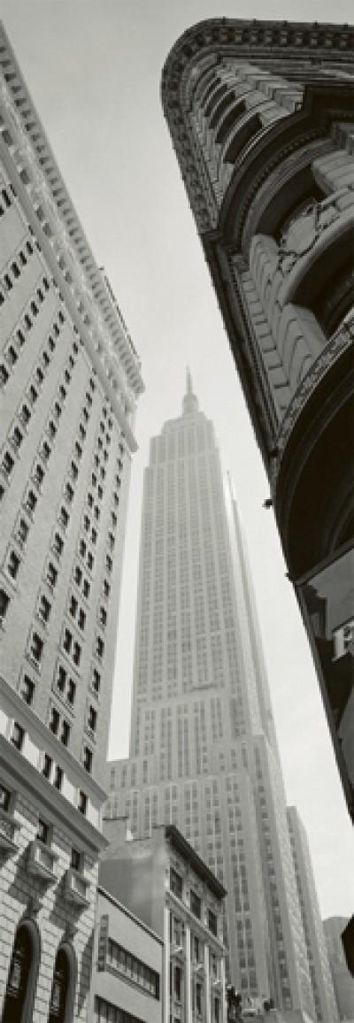 Horst Hamann, Empire State Building - Broadway (Fotografie, Amerika, New York, Wolkenkratzer, Untersicht, Perspektive, Gebäude / Architektur, Modern, schwarz/weiß)