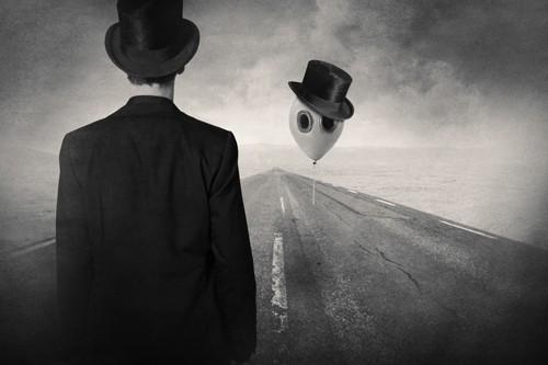 Tommy Ingberg, We Meet Again, Old Friend (Wunschgröße, Grafik, Mann, Mann im Anzug, Zylinder, Landschaft, Luftballon, surreal, Gedanken, Abschied, schwarz / weiß)