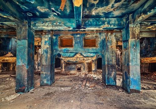 Matthias Haker, Blue (Interieur, Saal, Zerstörung, Vergänglichkeit, Erinnerung, Nostalgie, Vergangenheit, Gebäude / Architektur, Verfall,  Wunschgröße,  Modern, Wohnzimmer, Schlafzimmer, bunt)