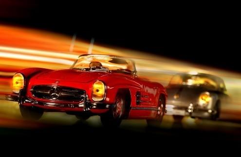 Cars in action - M.Benz 300SL, Jean-Loup Debionne (Autos, Oldtimer, Cabrio, Straßenszene, Nachtszene, Lichteffekte, Geschwindigkeit, Fotokunst, Wunschgröße, Wohnzimmer, Treppenhaus, bunt)