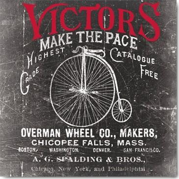 Katrina Craven, Antique Bicycle I (Plakatkunst, Vintage, Retro, Hochrad, High Wheel, Fahrradgeschäft, Victors, Bistro,Treppenhaus, schwarz / weiß, rot)