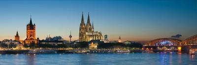 Kramer Henning, Köln Blaue Stunde (Köln Stadt, Fluss, Rhein, Vedute, Abendszene, Kölner Dom, Fotokunst, Wohnzimmer, Treppenhaus, bunt)