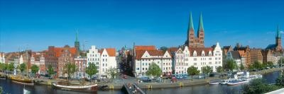 Kramer Henning, Lübeck Trave (Vedute, Lübeck, Stadt, Hansestadt, Architektur, Fotokunst, Wohnzimmer, Treppenhaus, bunt)