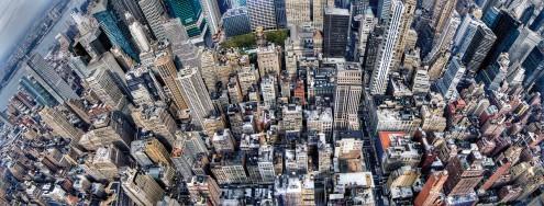 Dr. Michael Feldmann, Vertigo (Hochhäuser, Skyline, Park, Bäume, Menschen, Fotokunst, Städte, Gebäude / Architektur, Büro, Business, Wohnzimmer, bunt)