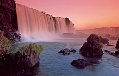 Thomas Marent, Waterfall II (Landschaftsfotografie, Landschaften,  Wasserfall, Weltnaturerbe, Südamerika, Brasilien, Idylle, Wohnzimmer, Badezimmer, Fotokunst, Wunschgröße, bunt)