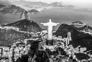 Toby Seifinger  Rio (Landschaft, Rio de Janeiro, Christusfigur,  Redentor, Wahrzeichen, Luftbild, Fotokunst, Wohnzimmer, Büro, Wunschgröße, schwarz / weiß)