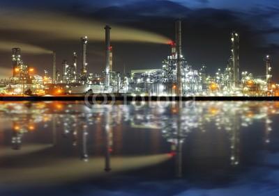 Tomas Sereda, Oil refinery at night (öl, industrie, raffinerie, gassen, gewerblich, pflanze, fabrik, chemical, nacht, kräfte, petrified forest, energie, leitung, metall, erdöl, turm, technologie, produktion, chemie, brennstoff, ingenieurwesen, umwelt, umweltverschmutzung, petrol, tan)