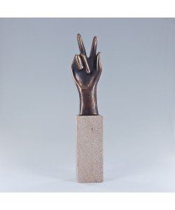 Raimund Schmelter, Handzeichen: Geschafft, 23 x 5 x 4cm