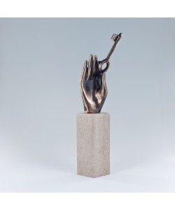 Raimund Schmelter, Handzeichen: Türen öffnen, 23 x 5 x 5cm