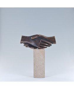 Raimund Schmelter, Handzeichen: Gemeinsam, 15 x 13 x 4cm