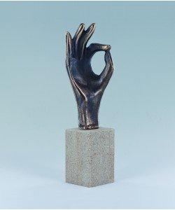 Raimund Schmelter, Handzeichen: Gut gemacht, 18 x 5 x 5cm