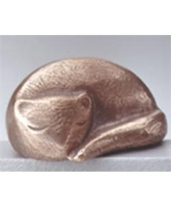 Raimund Schmelter, Katze, liegend, 4 x 7cm