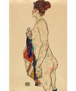Egon Schiele, Stehender Akt mit gemustertem Gewand. 1917