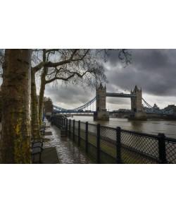 Vladimir Kostka, LONDON BRIDGE AND TOWER