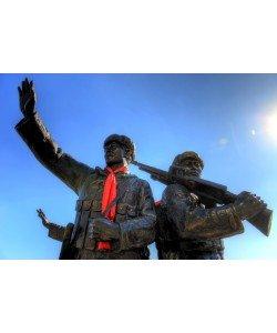 Hady Khandani, HDR - SOLDIER MONUMENT AT YALU RIVER - DADONG - CHINA 3