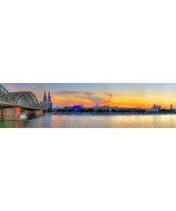 Hady Khandani, PANO HDR - COLOGNE SKYLINE WITH CATHEDRAL DURING SUNSET - GERMANY