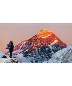 Daniel Prudek, Mount Everest from Gokyo valley with tourist
