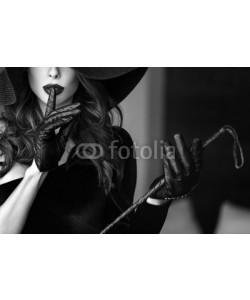 sakkmesterke, Sexy dominant woman in hat and whip showing no talk