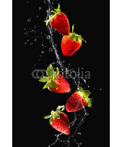 Alexander Raths, Strawberries in water splash