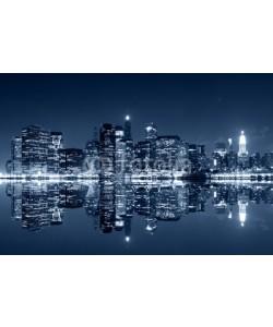 Evgeny Dubinchuk, Manhattan at night with reflections on Harlem river
