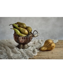 Nailia Schwarz, Classic Studio Still-Life with Pears