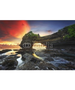 farizun amrod, Warm sunset at Batu Bolong, Tanah Lot - Bali, Indonesia