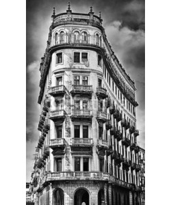 javigol860101, Black and white image of crumbling old building facade with dram