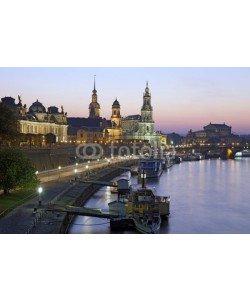 Blickfang, Elbufer bei Nacht Dresden
