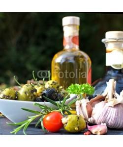 doris oberfrank-list, Italische Vorspeise: Oliven, Olivenöl, Tomaten und Knoblauch