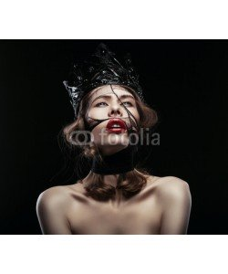 alexbutscom, pretty woman in dark crown