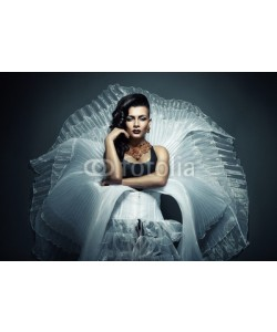 alexbutscom, transvestite in white wear