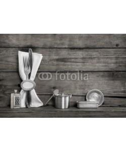 Jeanette Dietl, Alte Küchen Miniaturen aus Blech mit Messer und Gabel in grau weiß Shabby Style.