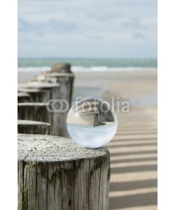 klauskreckler, Buhne am Meer mit Kristallkugel