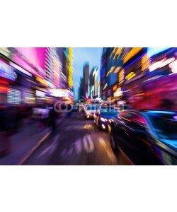 Christian Müller, nächtlicher Straßenverkehr in Manhattan mit kreativem Zoomeffekt